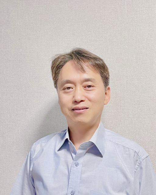 신현규 박사님(최종사진).jpeg