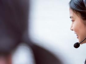 전화로 방문건강관리서비스 받는 어르신들 코로나19 증상 확인한다