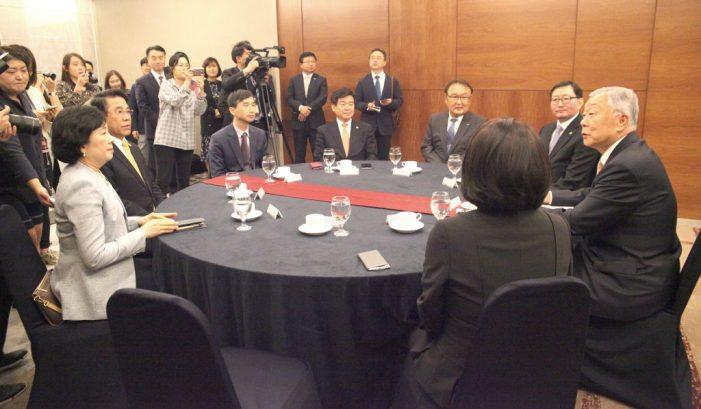 지난 10일 서울 마포 가든호텔에서 열린 상견례에서 성상철 국민건강보험공단 이사장이 인사말을 하고 있다.