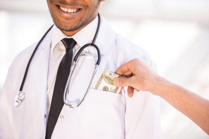 의료기기업체로부터 리베이트에 성접대까지 요구한 양의사 100여명 적발