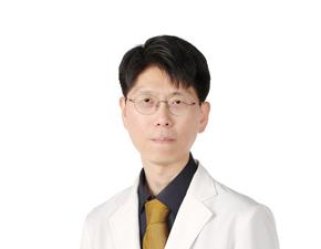 """""""'건강한의사' 장수 비결요? 공익 우선의 초심 잃지 않았기 때문"""""""