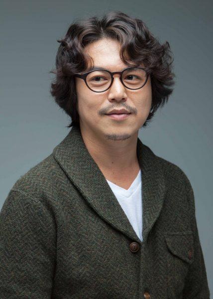 연극 리웨이 역을 맡은 배우 김대흥.